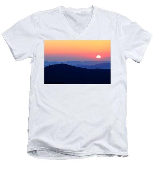 Big Sunrise Off Blue Ridge Parkway Men's V-Neck T-Shirt