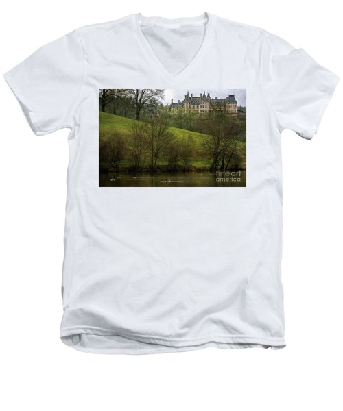 Biltmore Estate At Dusk Men's V-Neck T-Shirt
