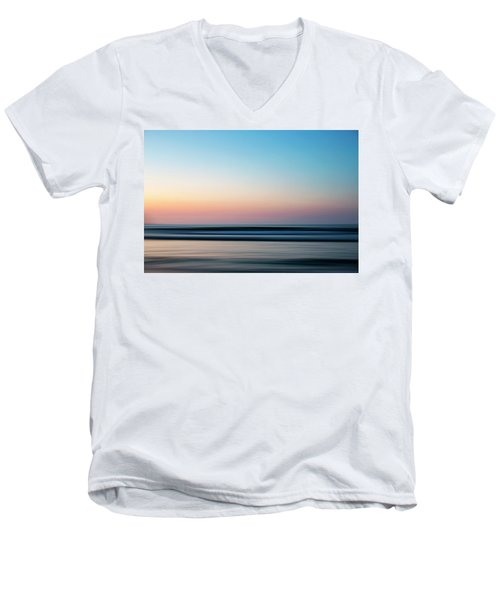 Blurred Men's V-Neck T-Shirt