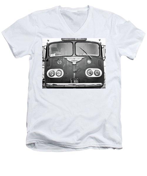 Bob Wills Tour Bus Bw Men's V-Neck T-Shirt