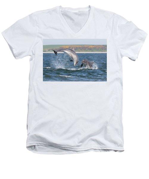 Bottlenose Dolphin - Moray Firth Scotland #49 Men's V-Neck T-Shirt