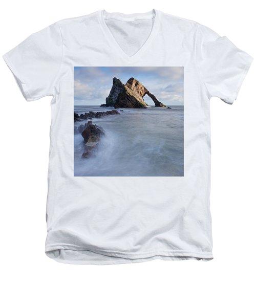 Bow Fiddle Men's V-Neck T-Shirt