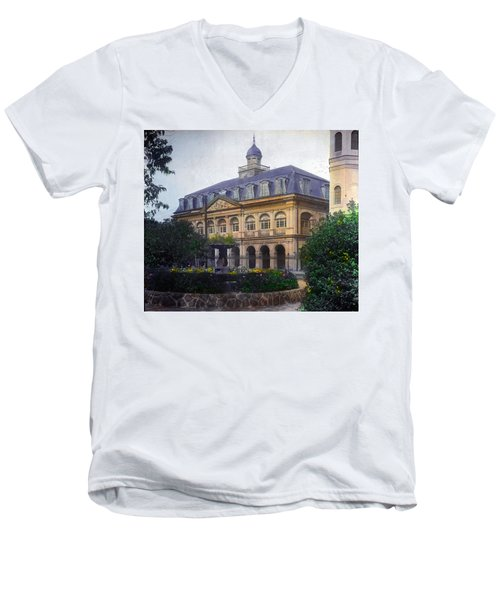 Cabildo In Color Men's V-Neck T-Shirt