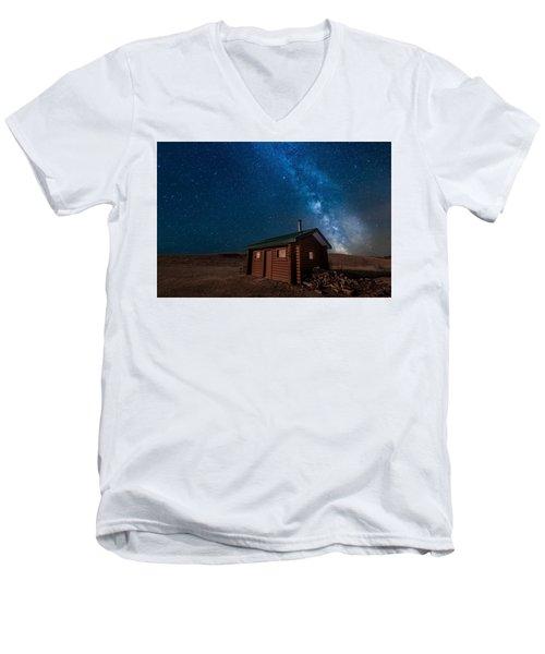 Cabin In The Night Men's V-Neck T-Shirt