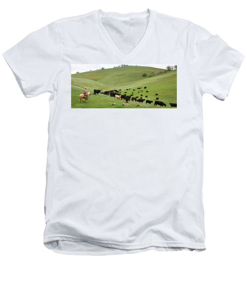 California Ranching Men's V-Neck T-Shirt