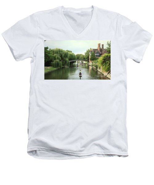Cambridge River Punting Men's V-Neck T-Shirt