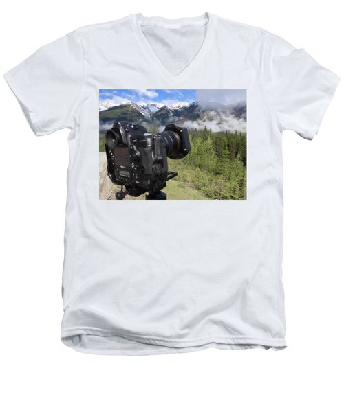 Camera Mountain Men's V-Neck T-Shirt