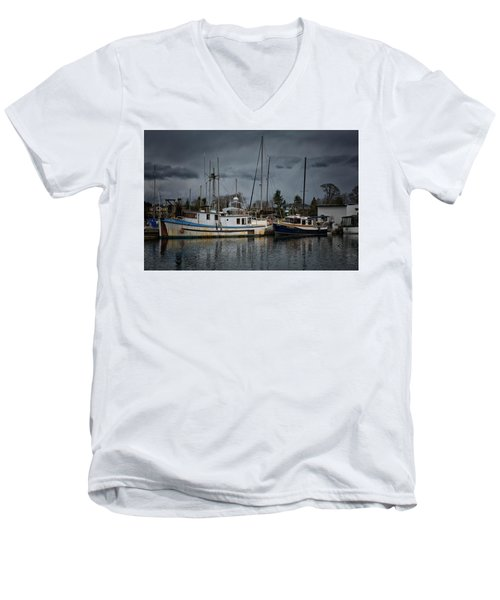 Men's V-Neck T-Shirt featuring the photograph Camjim by Randy Hall