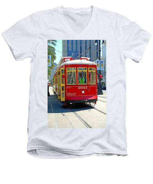 Canal Street Cable Car Men's V-Neck T-Shirt