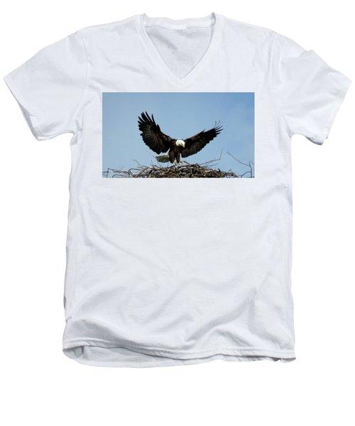 Cape Vincent Eagle Men's V-Neck T-Shirt