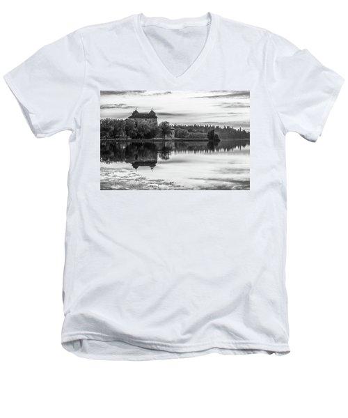 Castle In Black And White Men's V-Neck T-Shirt by Teemu Tretjakov
