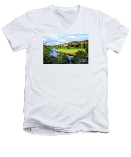 Chatsworth House View Men's V-Neck T-Shirt