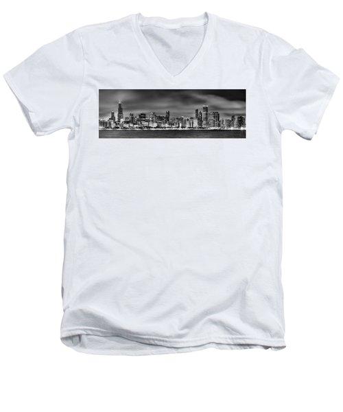 Chicago Skyline At Night Black And White Men's V-Neck T-Shirt