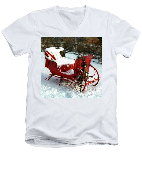 Christmas Sleigh Men's V-Neck T-Shirt