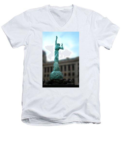 Cleveland War Memorial Fountain Men's V-Neck T-Shirt