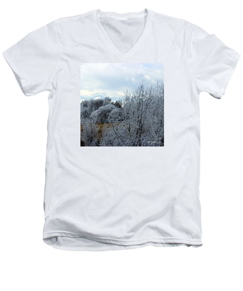 Colorado Springs Winter Men's V-Neck T-Shirt