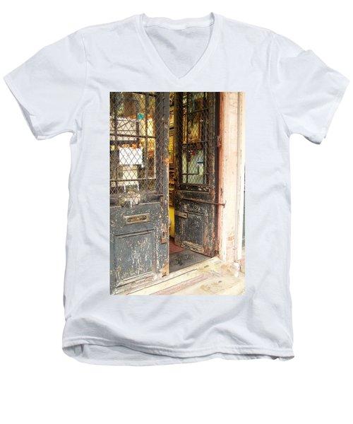 Come On In Men's V-Neck T-Shirt