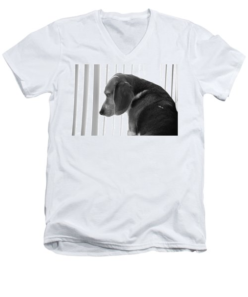 Contemplative Beagle Men's V-Neck T-Shirt