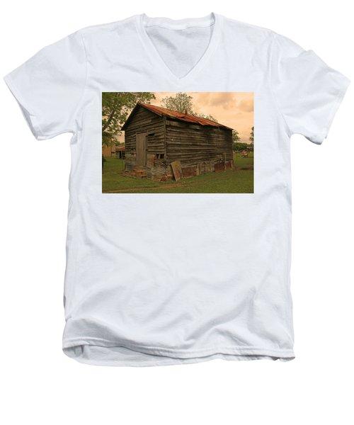 Corn Shed Men's V-Neck T-Shirt