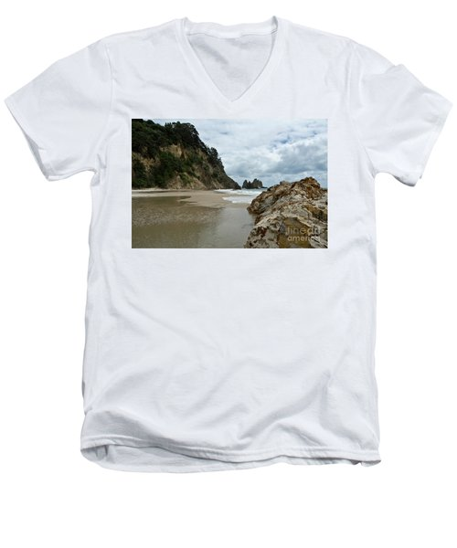 Coromandel, New Zealand Men's V-Neck T-Shirt