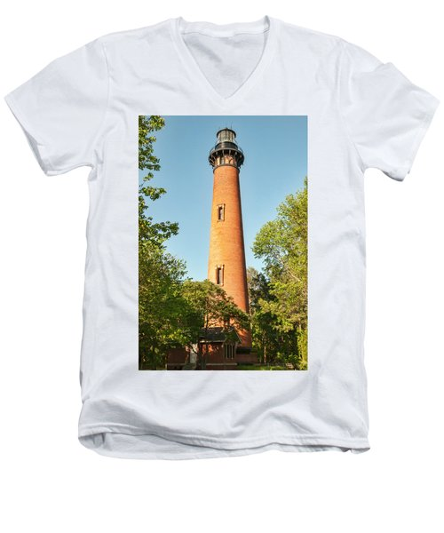 Currituck Beach Lighthouse Men's V-Neck T-Shirt