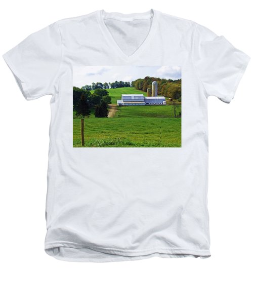 Dairy Country Men's V-Neck T-Shirt