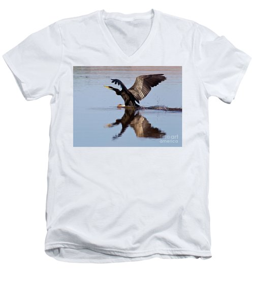 Darter Landing Men's V-Neck T-Shirt