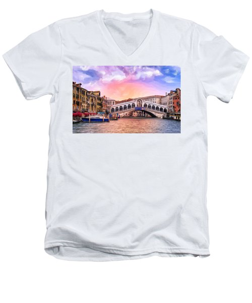 Dawn Light At Rialto Bridge Men's V-Neck T-Shirt