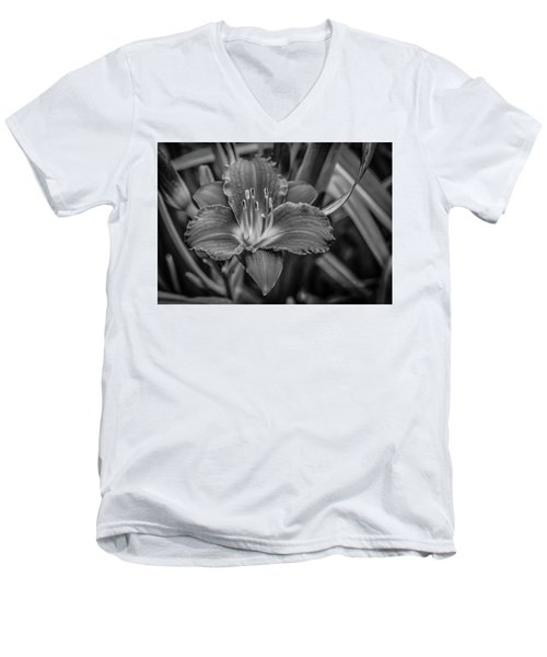 Men's V-Neck T-Shirt featuring the photograph Day Lilly by Ray Congrove