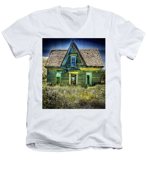 Deer Isle Haunted House Men's V-Neck T-Shirt