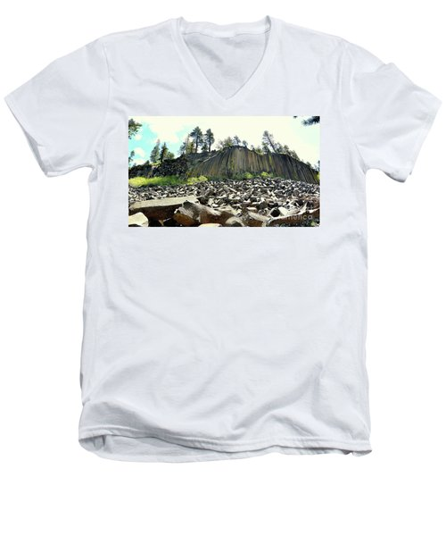 Devils Postpile Wide Men's V-Neck T-Shirt