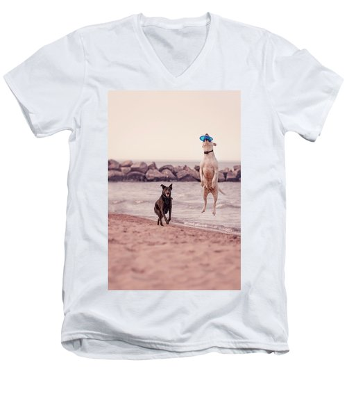 Dog With Frisbee Men's V-Neck T-Shirt