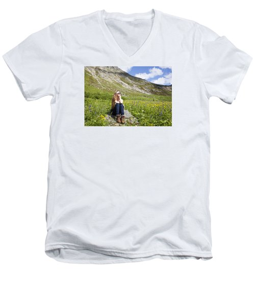 Dreaming The Dream Men's V-Neck T-Shirt