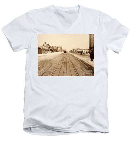 Dyckman House, 1928 Men's V-Neck T-Shirt