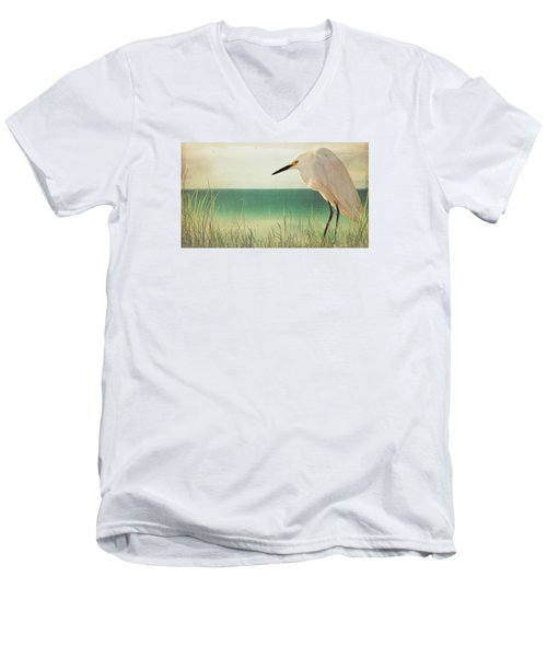 Egret In Morning Light Men's V-Neck T-Shirt