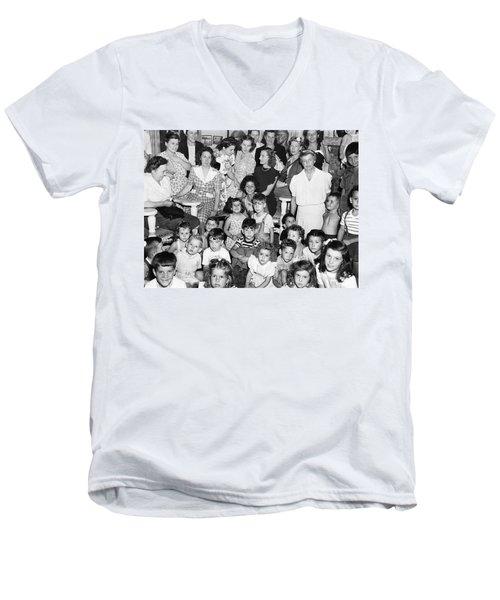 Eleanor Roosevelt And Children Men's V-Neck T-Shirt by Underwood Archives