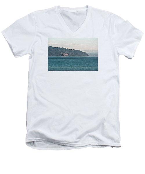 Empty Or Full? Men's V-Neck T-Shirt