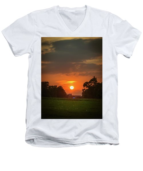 Men's V-Neck T-Shirt featuring the photograph Evening Sun Over Picnic by Lenny Carter