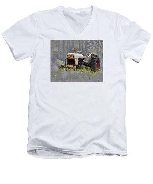 Fading Fast Men's V-Neck T-Shirt