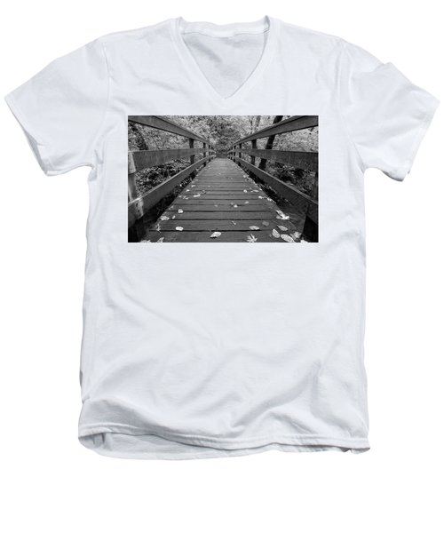 Men's V-Neck T-Shirt featuring the photograph Fall In Oregon Bw by Jonathan Davison