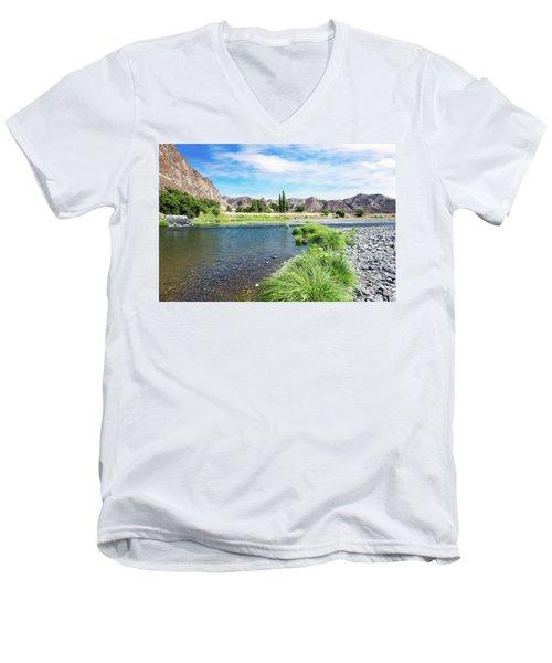 Farmland Along John Day River Men's V-Neck T-Shirt