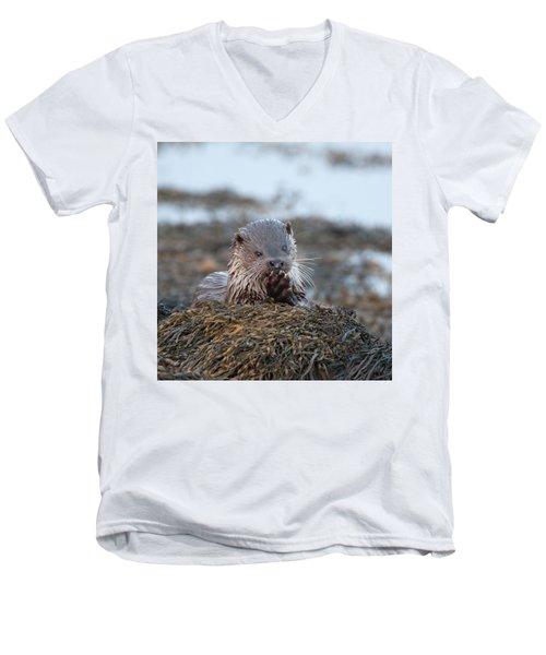 Female Otter Eating Men's V-Neck T-Shirt
