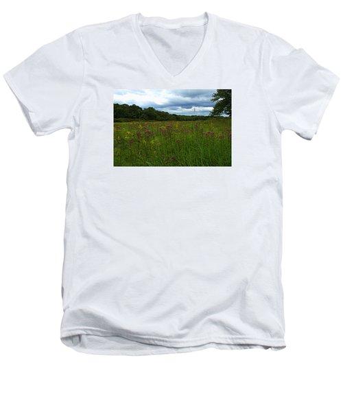 Field Of Color Men's V-Neck T-Shirt