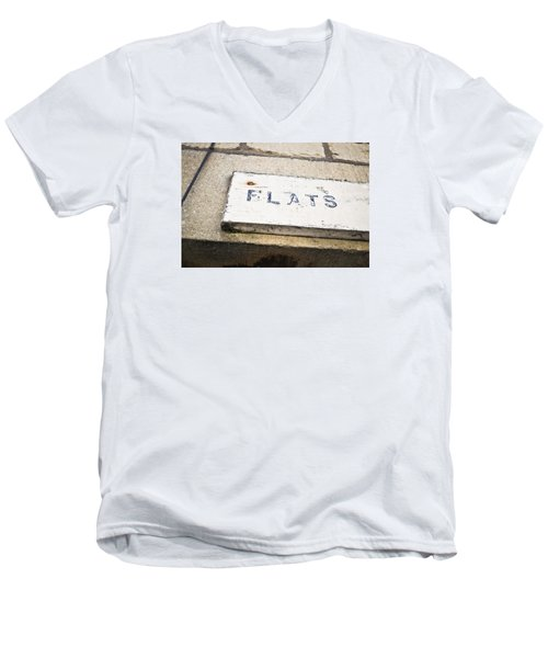 Flats Sign Men's V-Neck T-Shirt