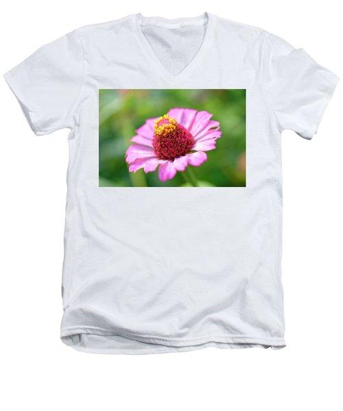 Flower Close-up Men's V-Neck T-Shirt