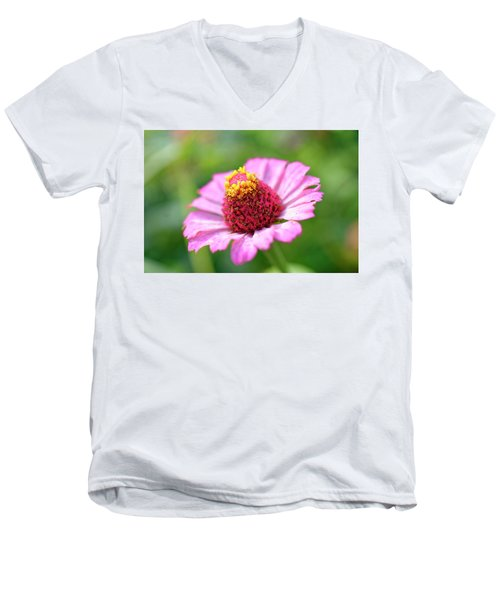 Flower Close-up Men's V-Neck T-Shirt