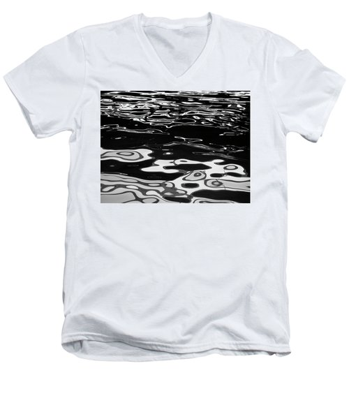 Fluid Abstract Men's V-Neck T-Shirt
