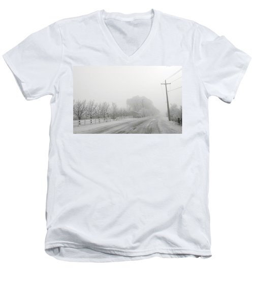Fog On Floweree Dr Men's V-Neck T-Shirt