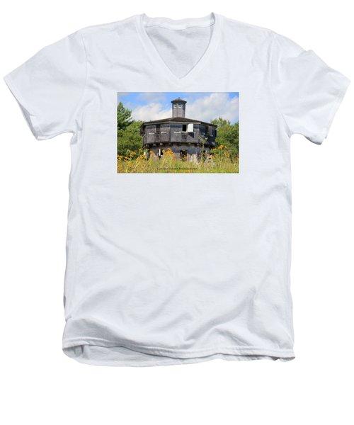 Fort Edgecomb Men's V-Neck T-Shirt