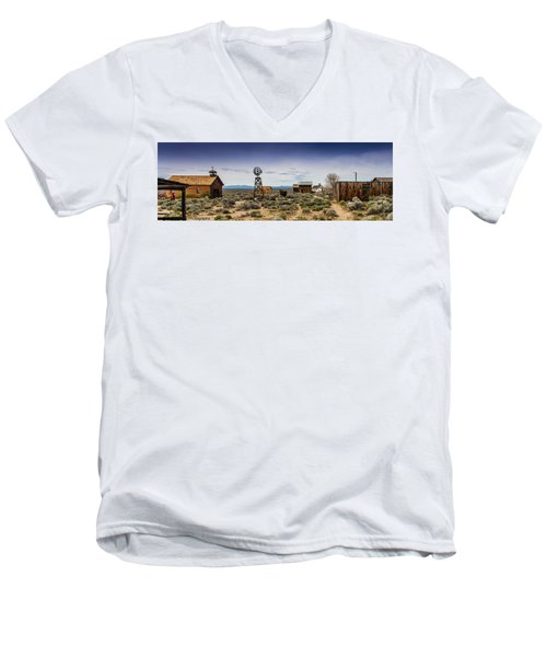 Fort Rock Museum Men's V-Neck T-Shirt